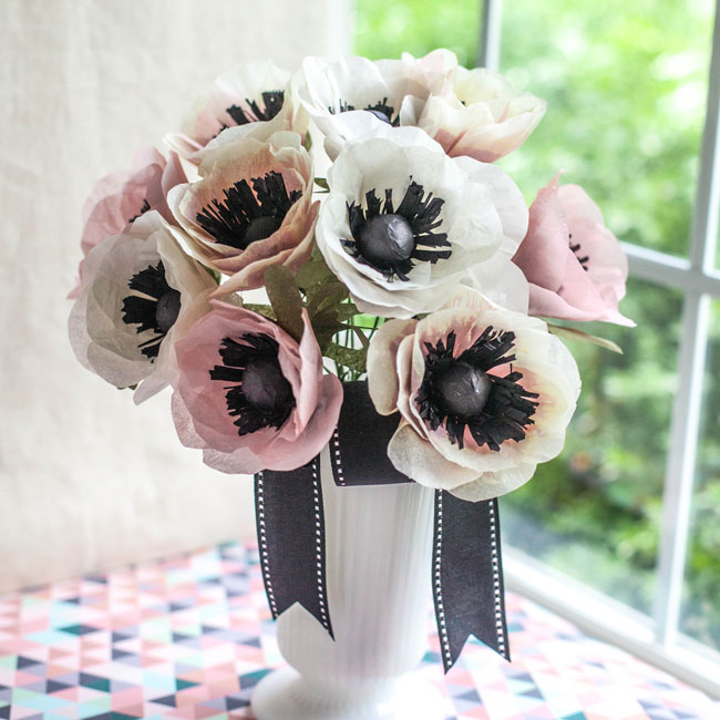 Graceful flower bouquet made of tissue paper